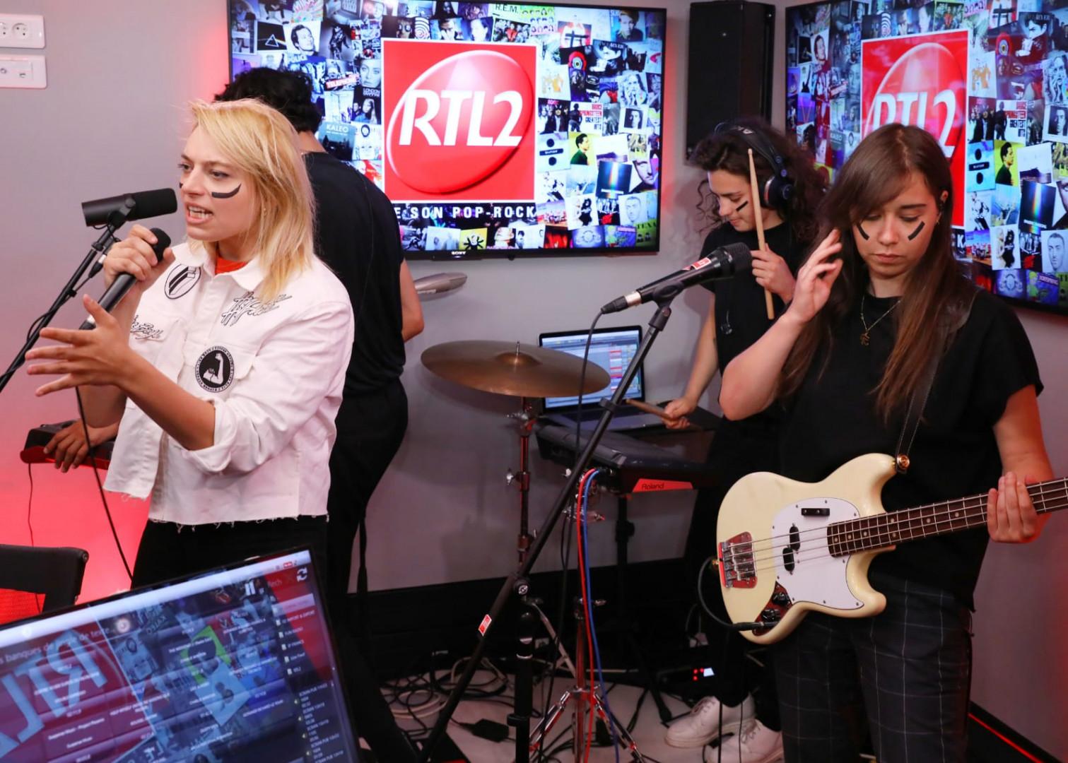 Hyphen Hyphen dans les studios de RTL2