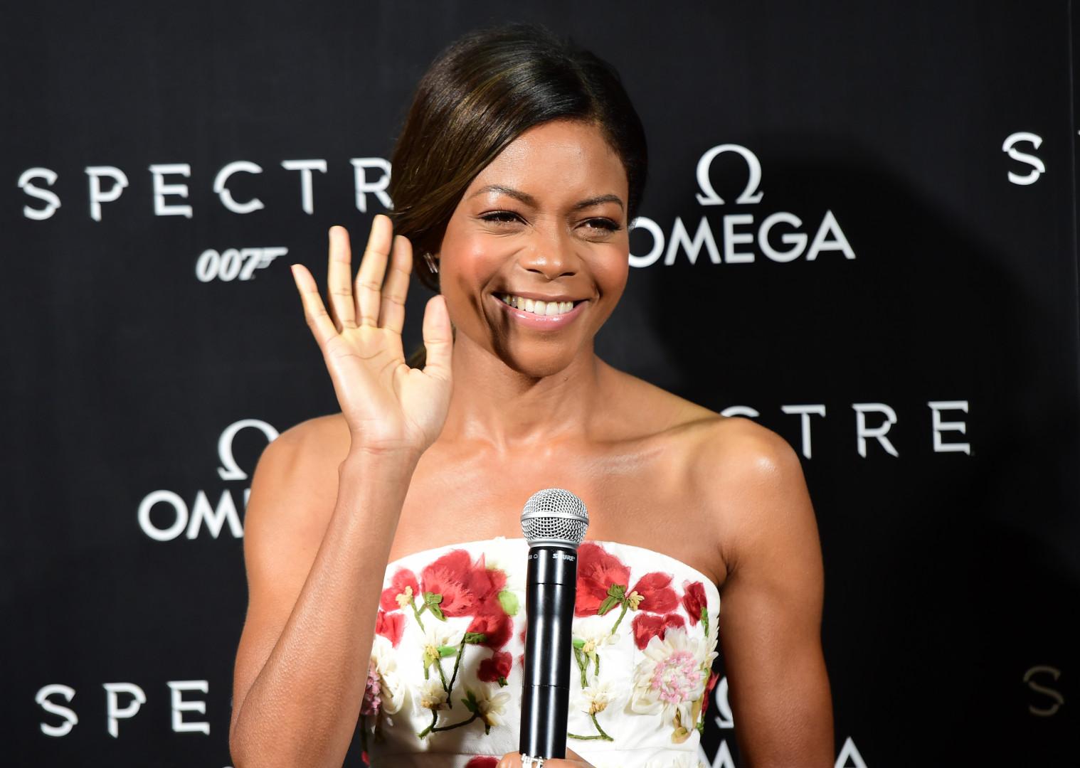 """Naomi Harris lors de l'avant-première de """"007 Spectre"""" en 2015"""