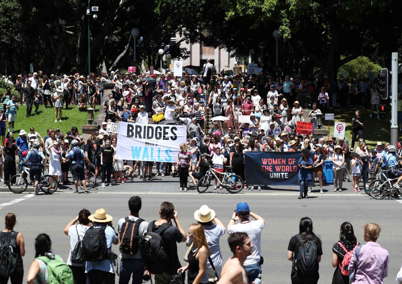 Les Australiennes ont lancé les hostilités en défilant à Sydney