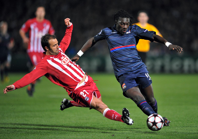 Avril 2010 : les Girondins de Planus sont éliminés en 1/4 de la Ligue des champions par l'OL de Gomis