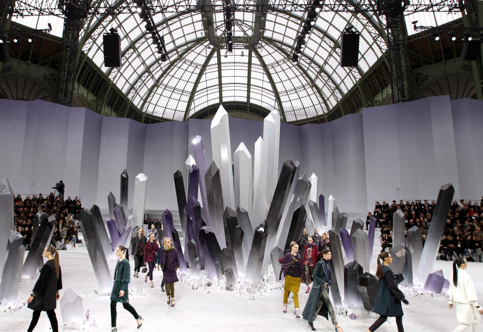 Un décors fantastique avec des cristaux géants.