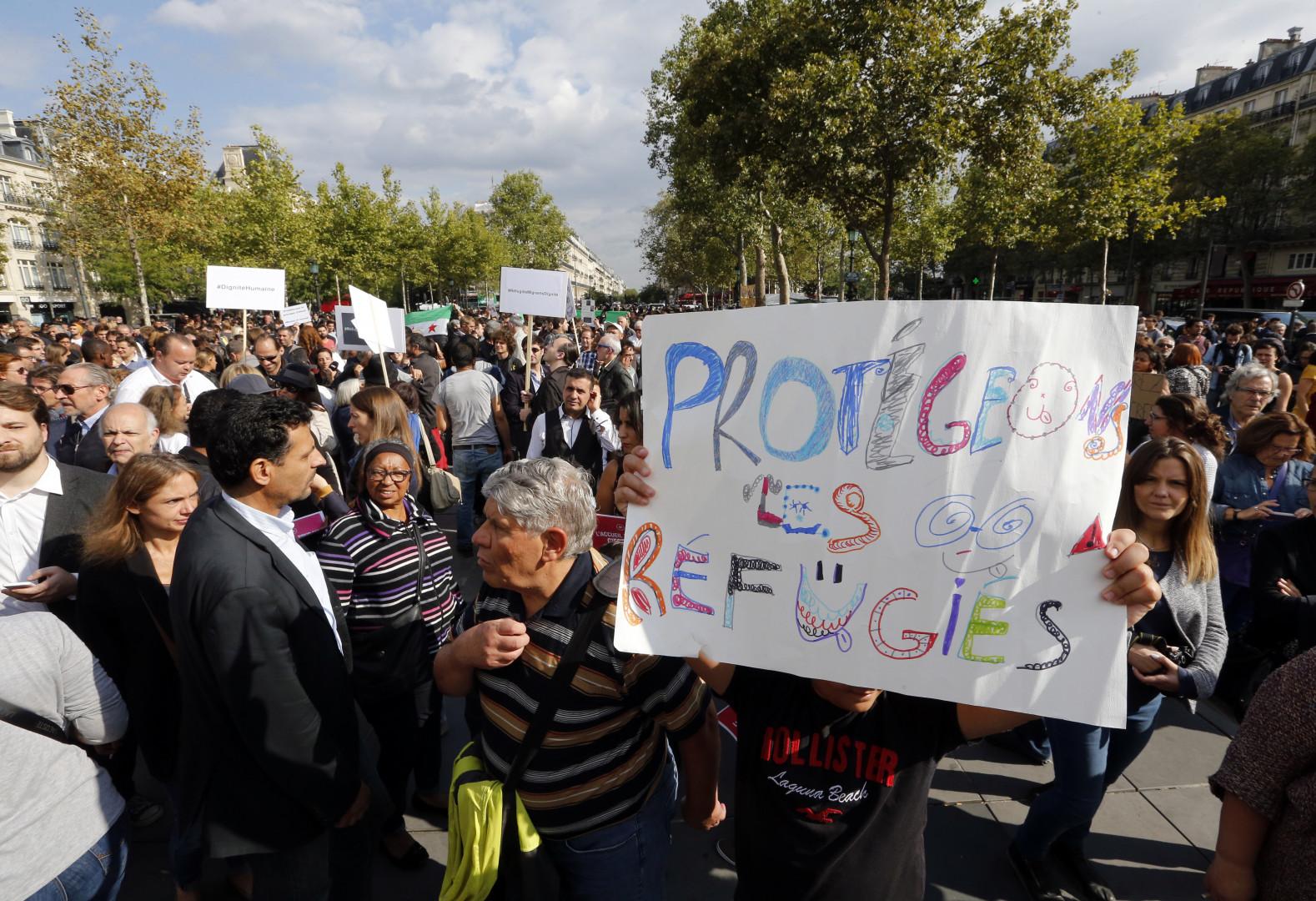 """Les manifestants du mouvement """"Pas en notre nom"""""""