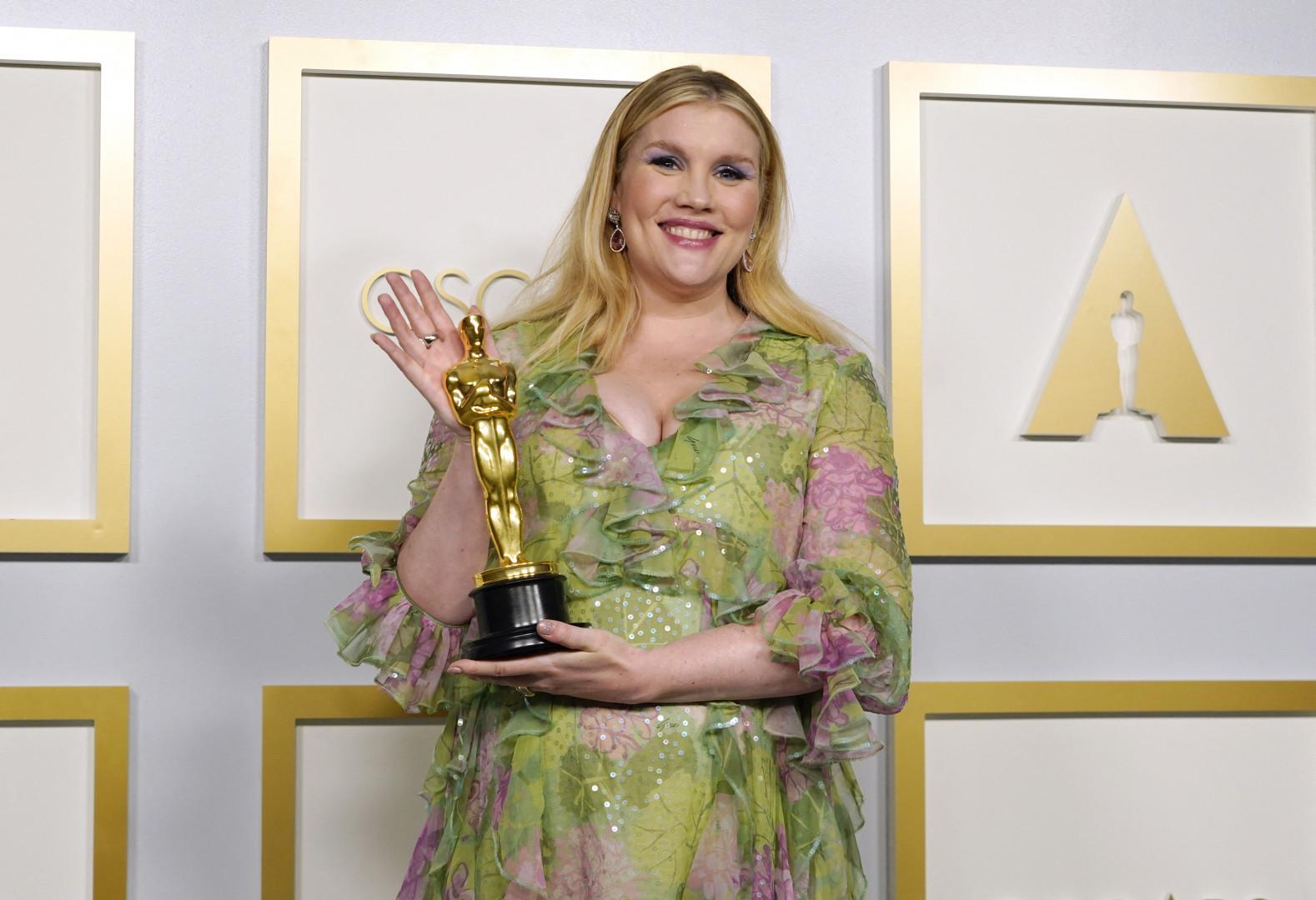 """Emerald Fennell a remporté l'Oscar du Meilleur Scénario original pour """"Promising Young Woman,"""""""