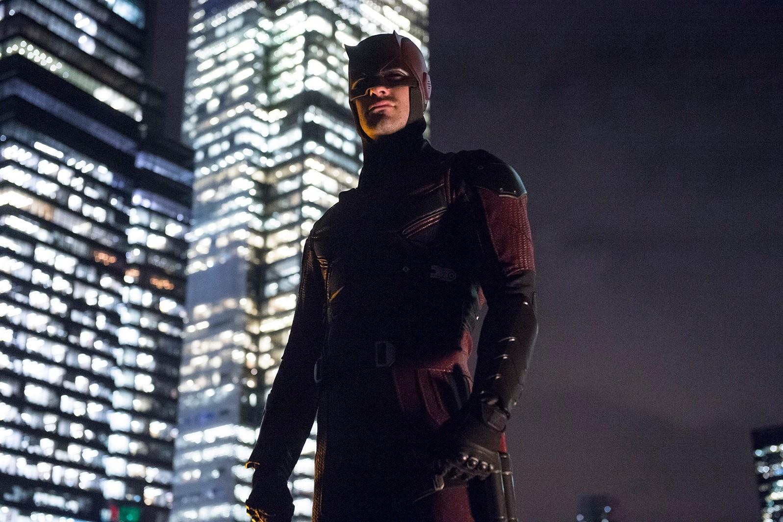 Daredevil organise des soirées en hauteur avec Spider-Man