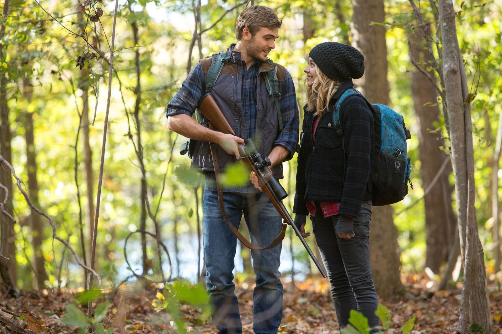 Cassie et Evan, son mystérieux sauveur