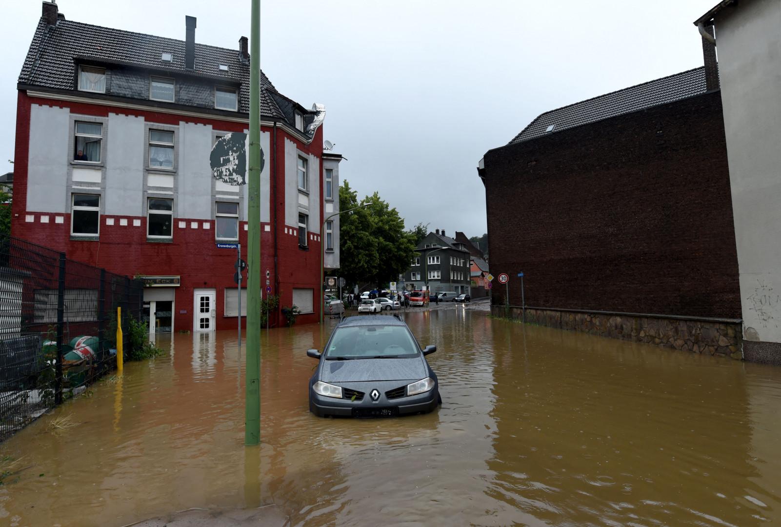 Rue inondée à Hagen, ouest de l'Allemagne le 14 juillet