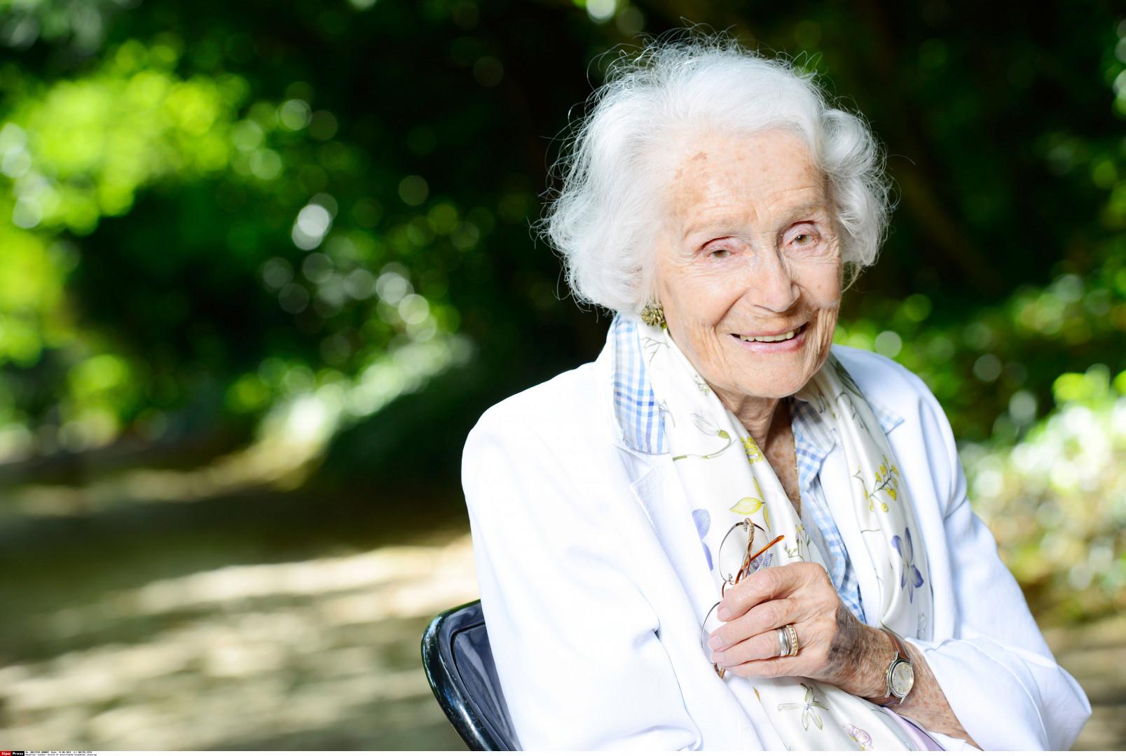 Gisele Casadesus, la doyenne française des comédiennes âgée de 103 ans.