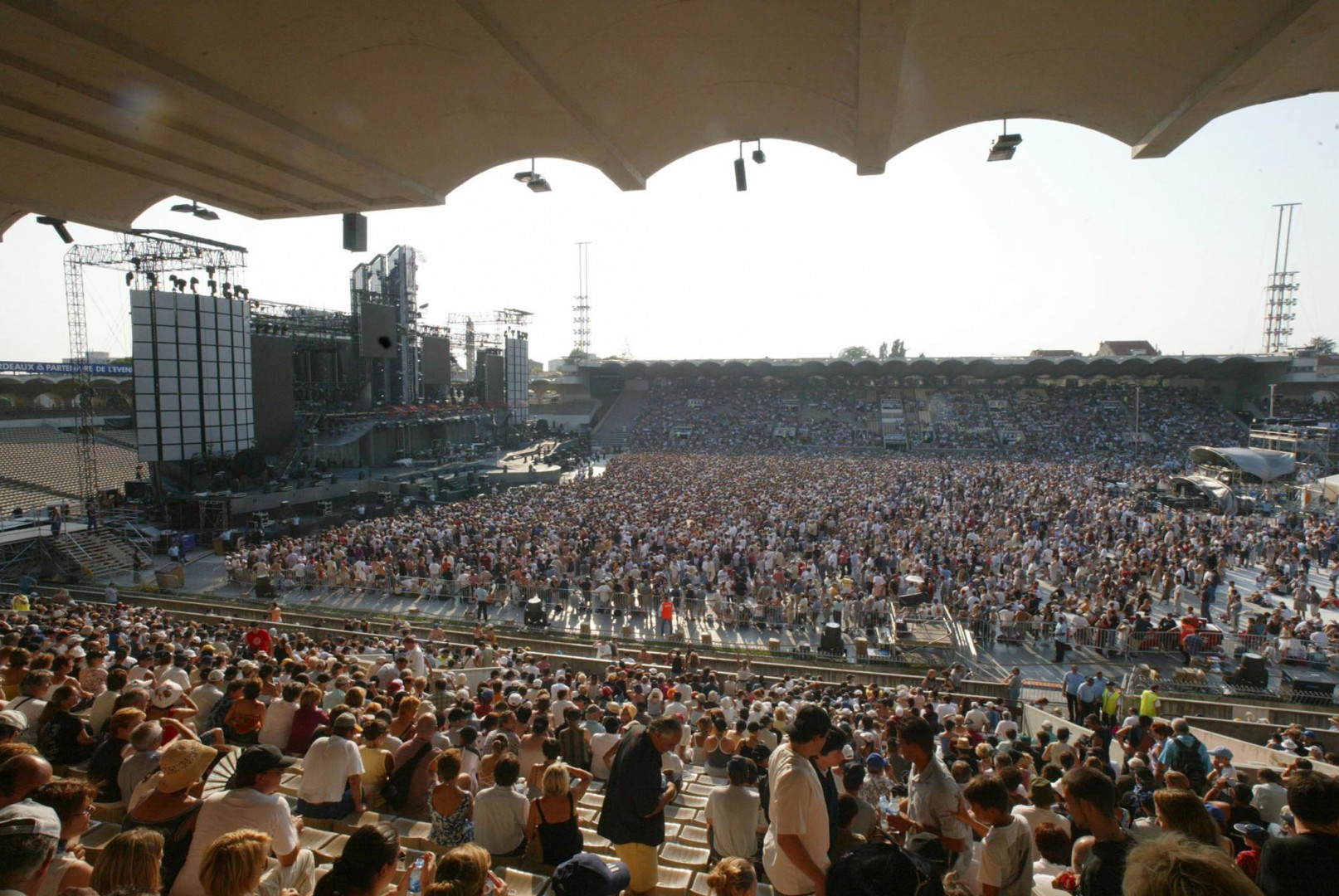 13 juillet 2003 : le stade Chaban-Delmas accueille un concert de Johnny Hallyday