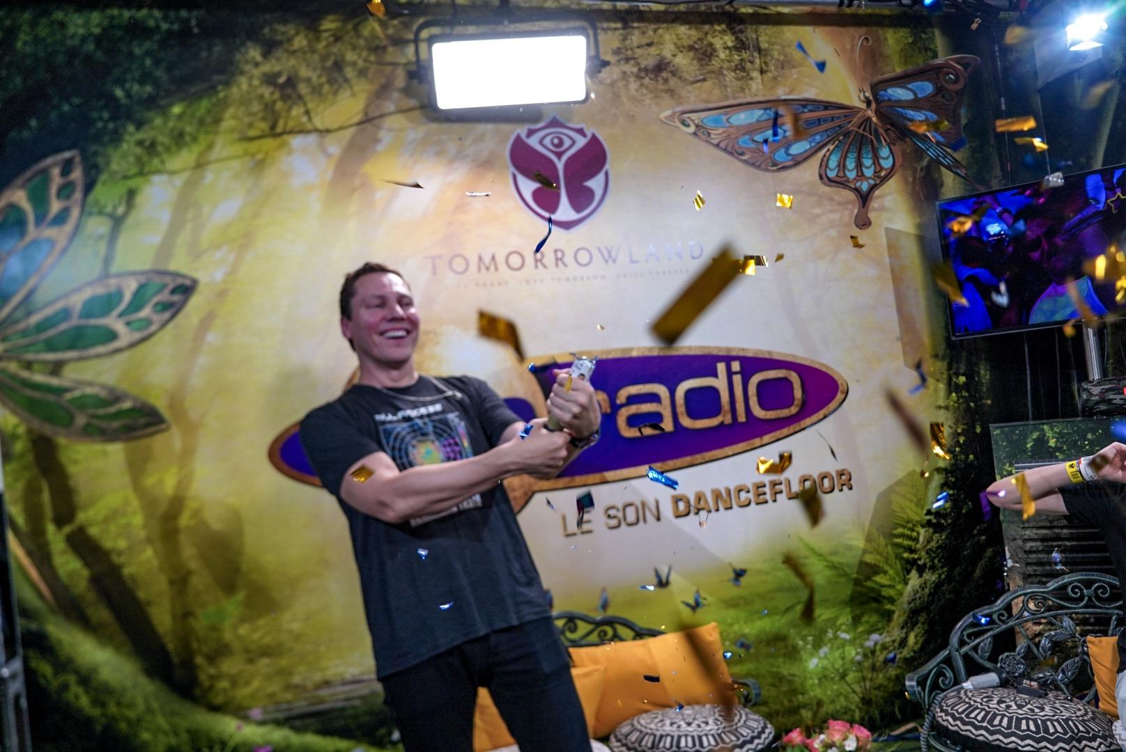Tiesto s'ambiance dans le studio de Fun Radio à Tomorrowland