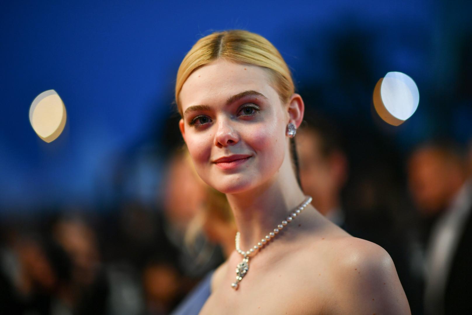 Elle Fanning à Cannes le 24 mai 2017