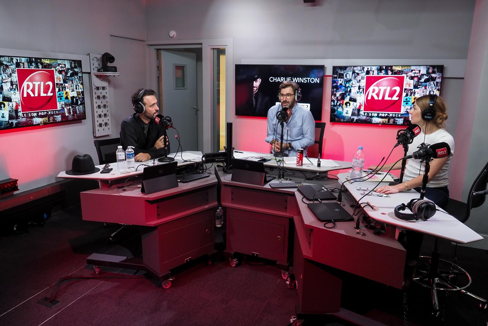 Charlie Winston dans les studios de RTL2