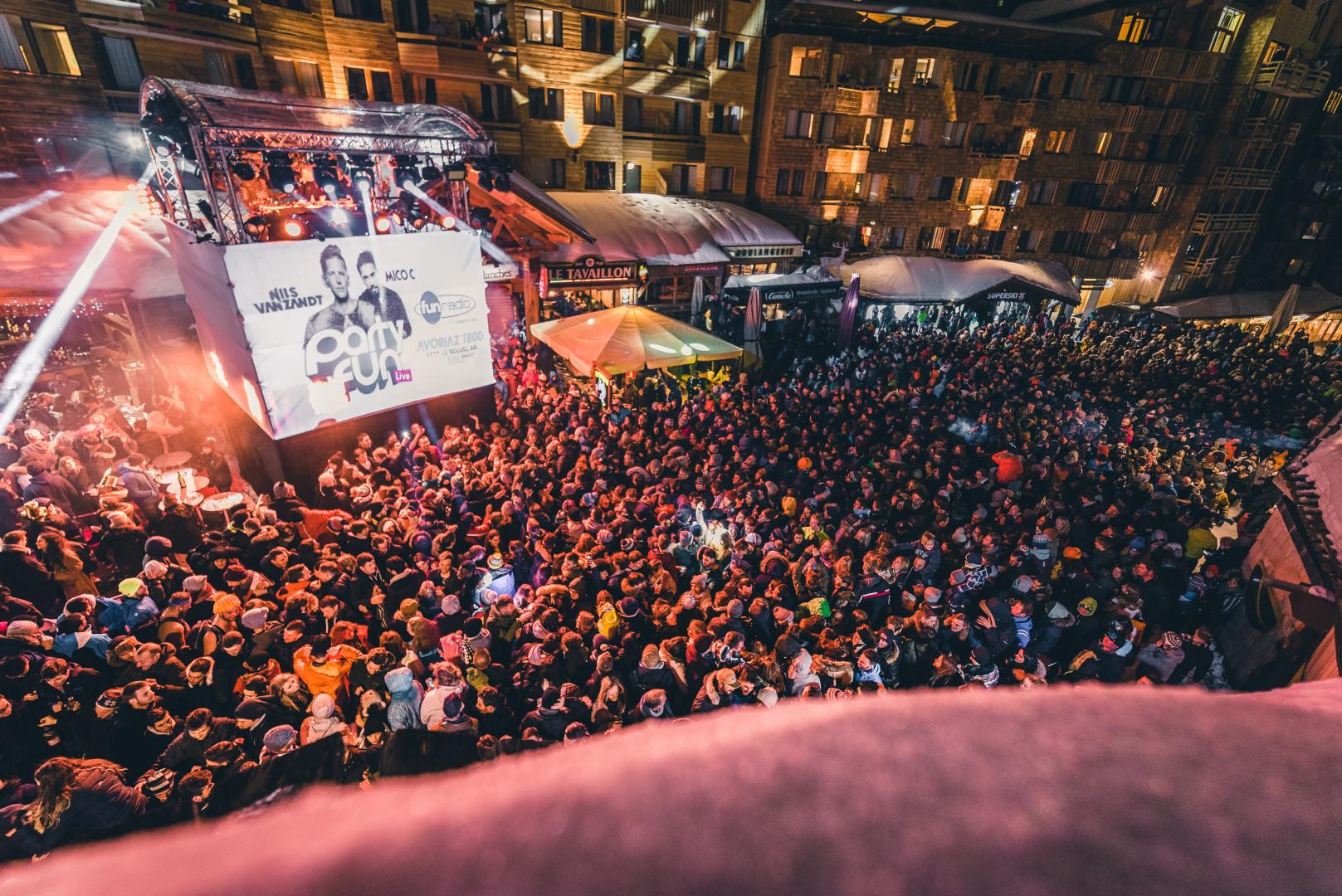 La foule au Party Fun Live d'Avoriaz 1800