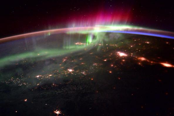 Les aurores boréales vues depuis l'espace