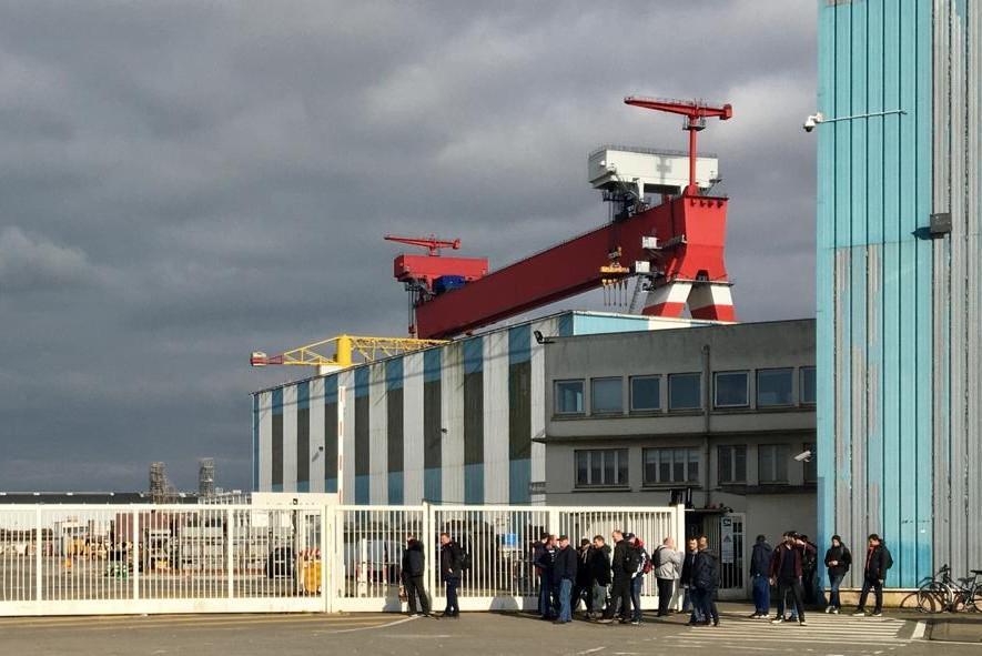 Les distances de sécurité sanitaire ne sont pas respectées à la débauche sur les chantiers de l'Atlantique