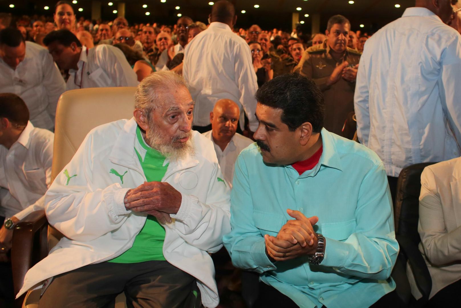 Fidel Castro a fêté ses 90 ans en public le 13 août 2016, au côté de Nicolas Maduro.