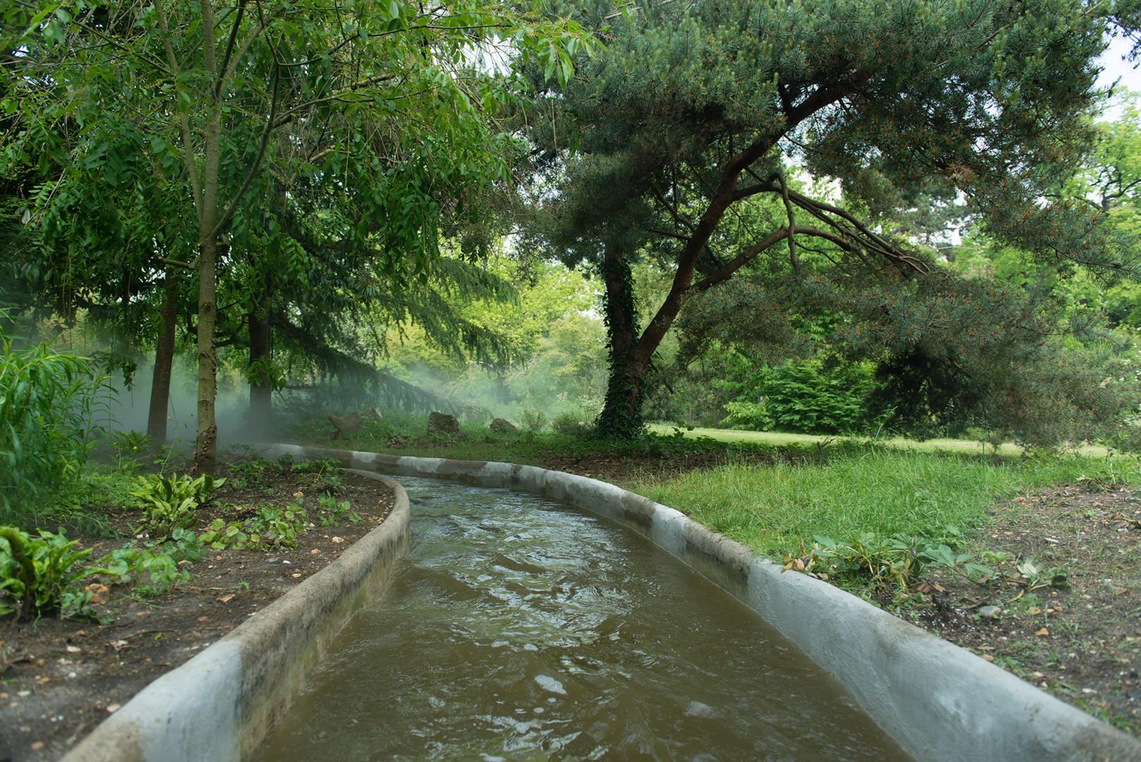 La Rivière Enchantée, l'une des attractions phares du Jardin, a été re-thématisée.