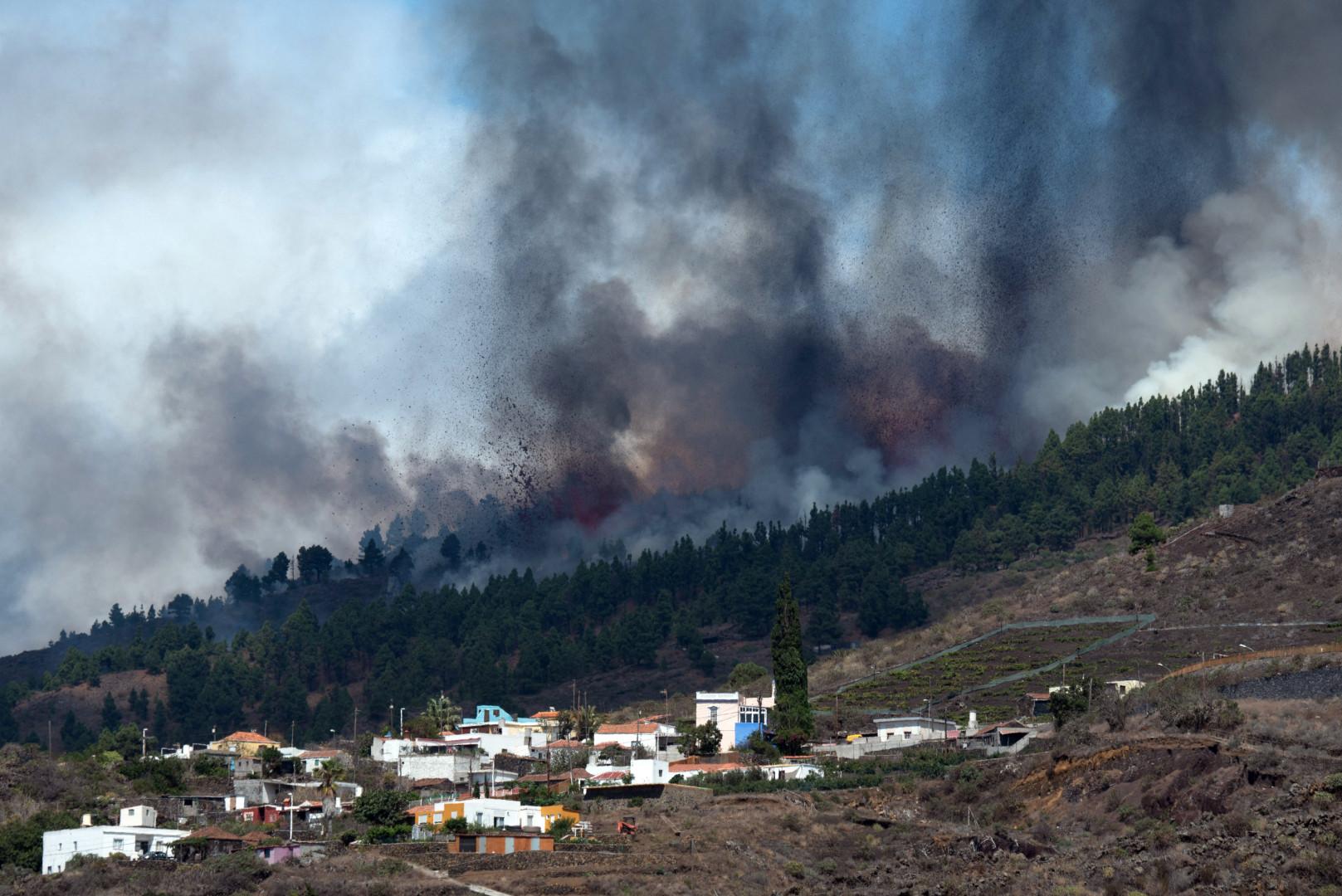 """""""Il y a de nombreuses habitations détruites"""", a assuré à l'AFP une porte-parole du gouvernement régional des Canaries, en précisant que le décompte exact était """"encore en cours""""."""