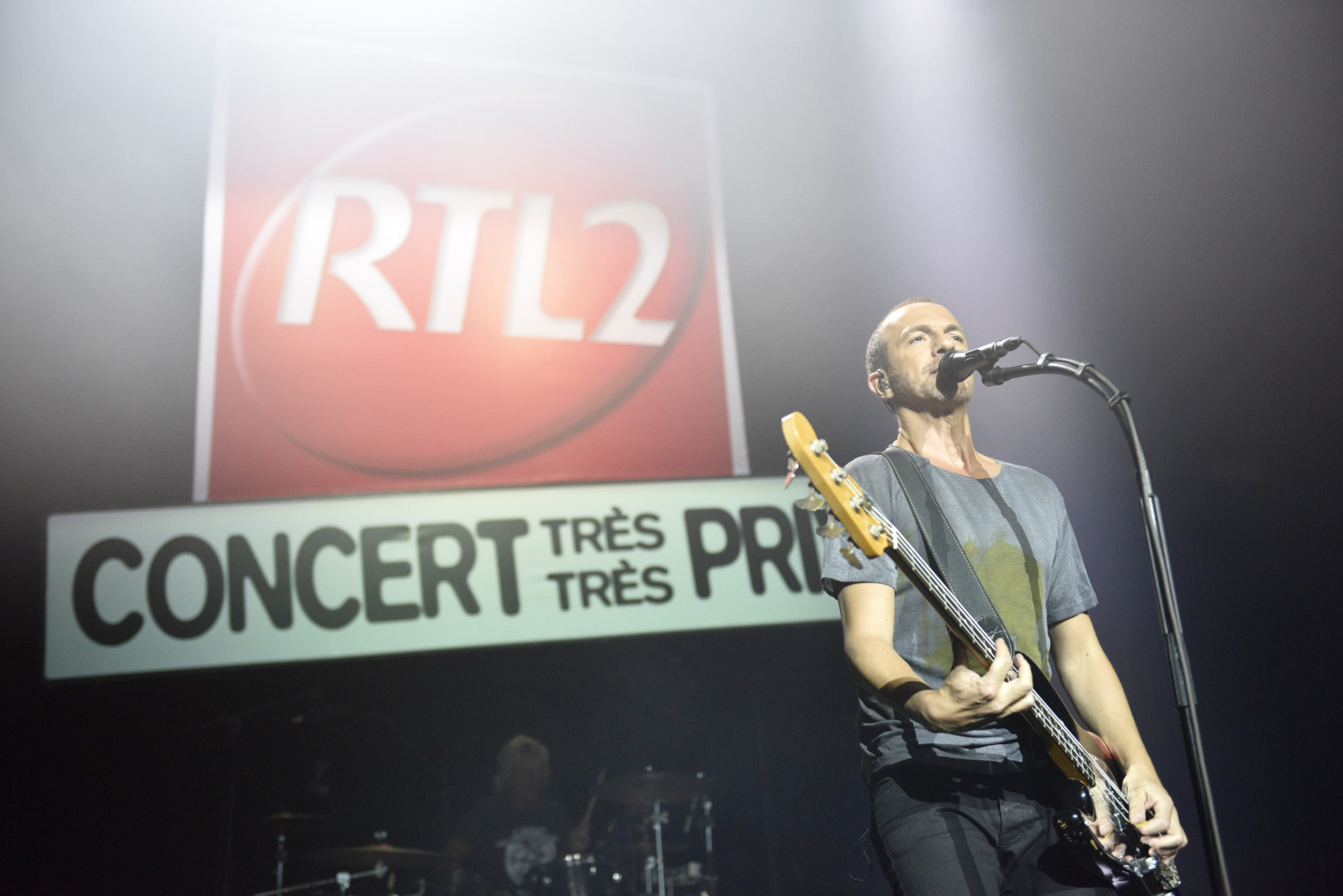 Calogero termine en apesanteur ce Concert Très Très Privé des 20 ans de RTL2