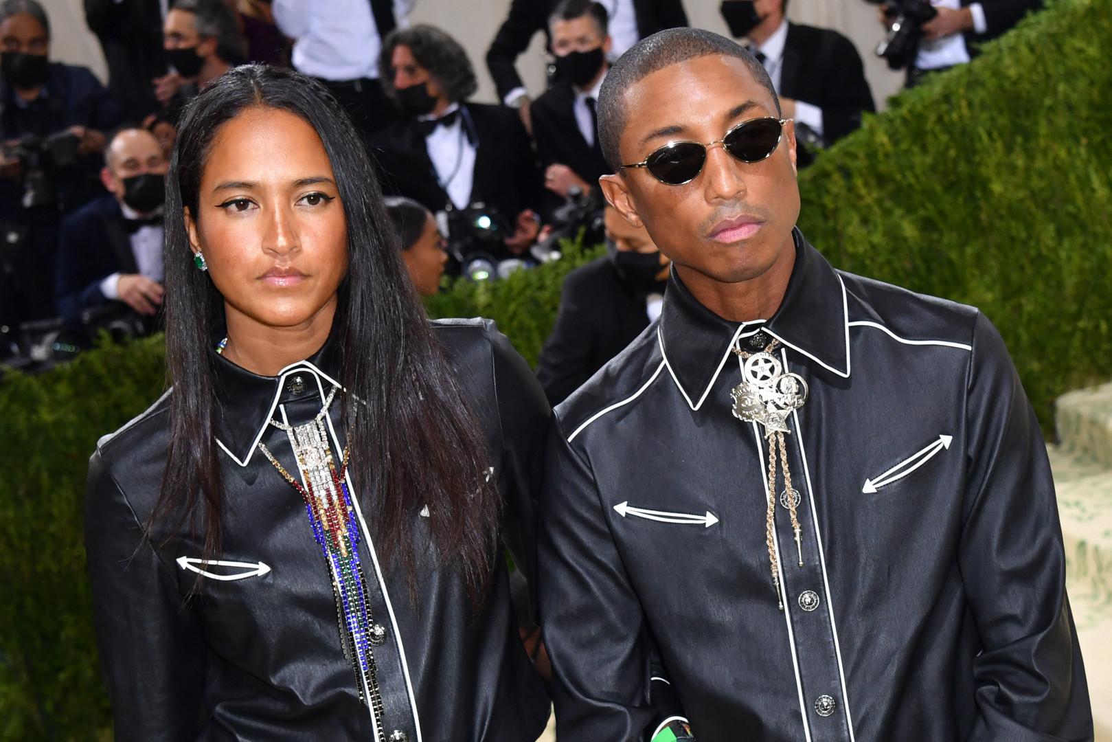 Pharrell Williams et sa femme lors du Met Gala 2021