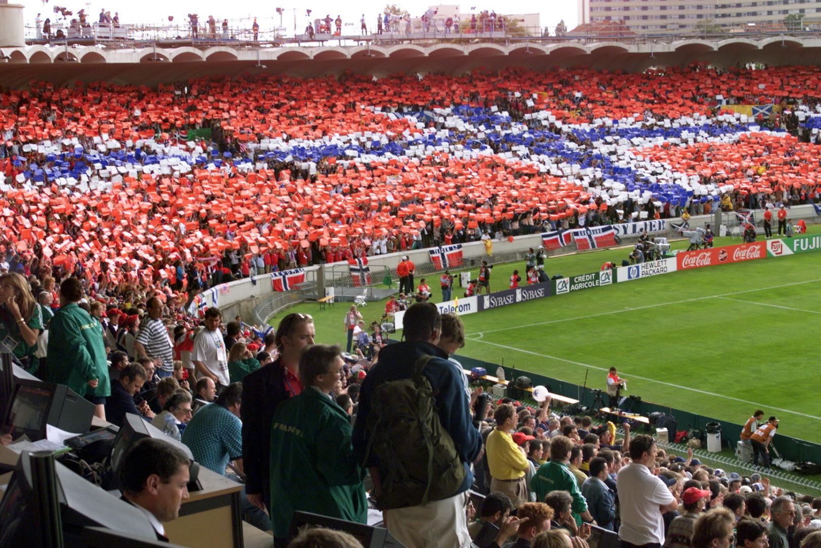 Entre temps, le Parc Lescure a accueilli cinq matches du Mondial 1998, ici Norvège - Écosse