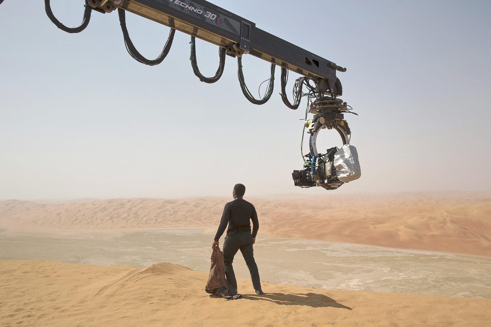 C'est dans sur cette planète désertique que s'écrase Finn