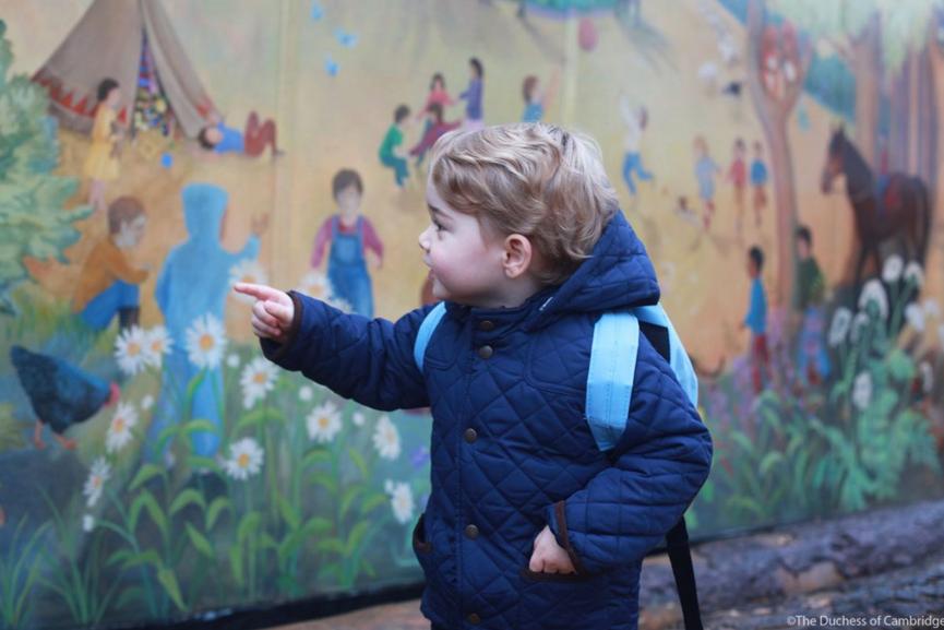 Le prince George lors de son premier jour à la crèche, une photo prise par Kate Middleton