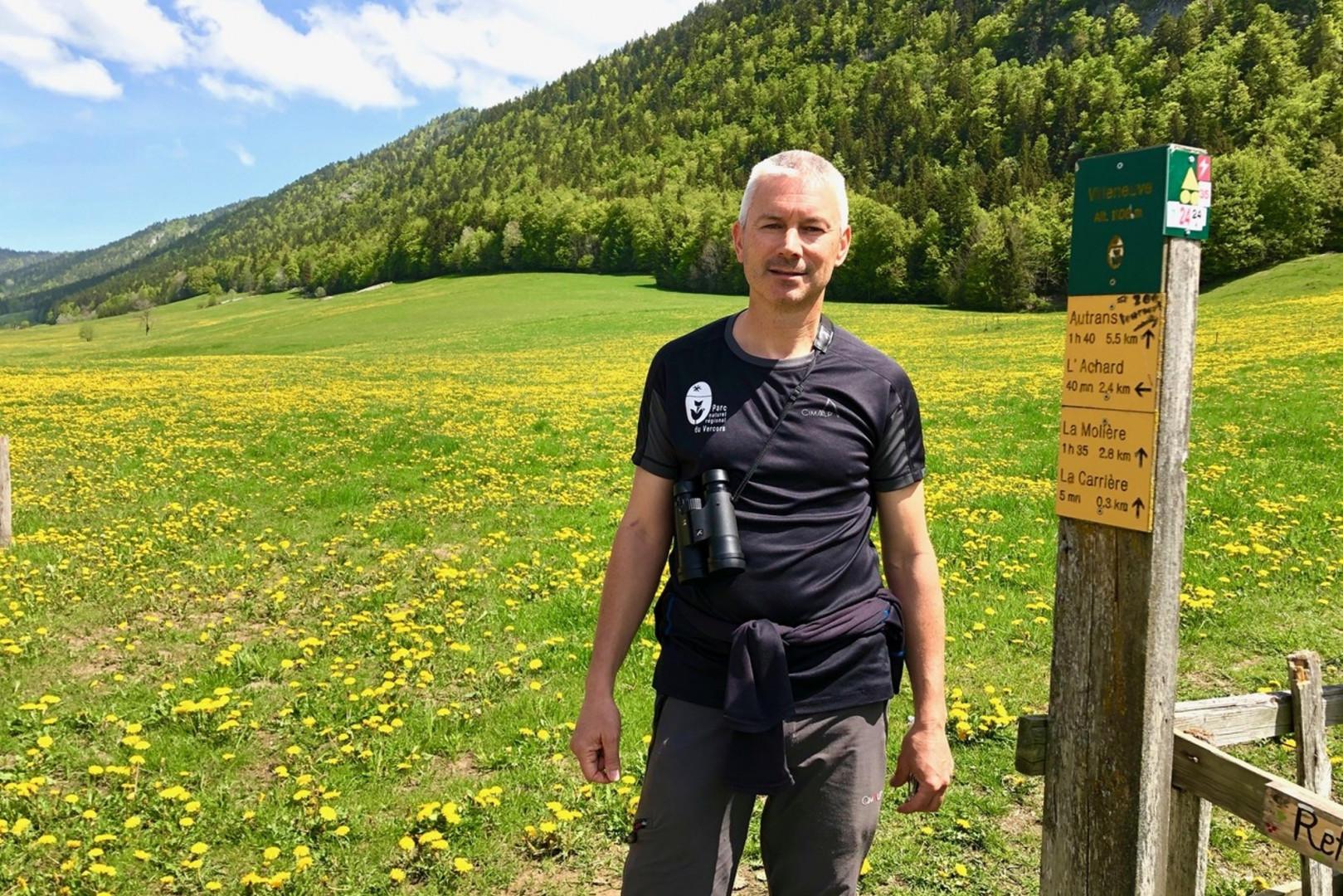 Stéphane Fayollat, responsable des sentiers du Parc Naturel Régional du Vercors.