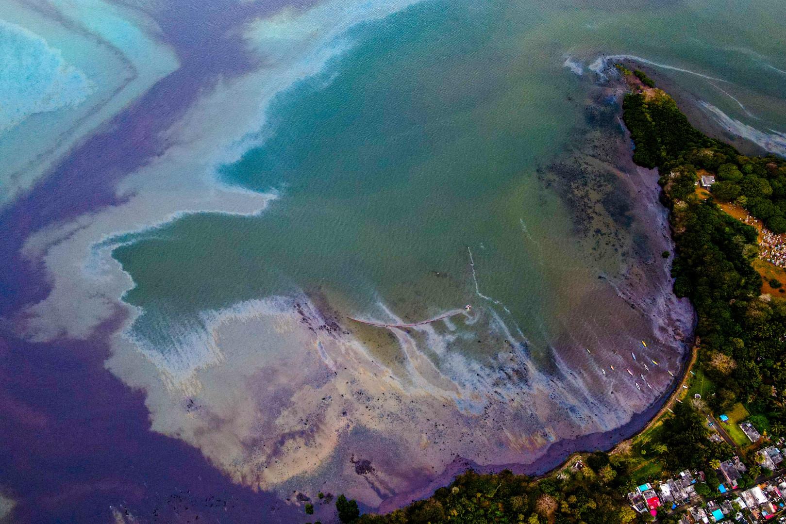 Les images de la marée noire à l'île Maurice