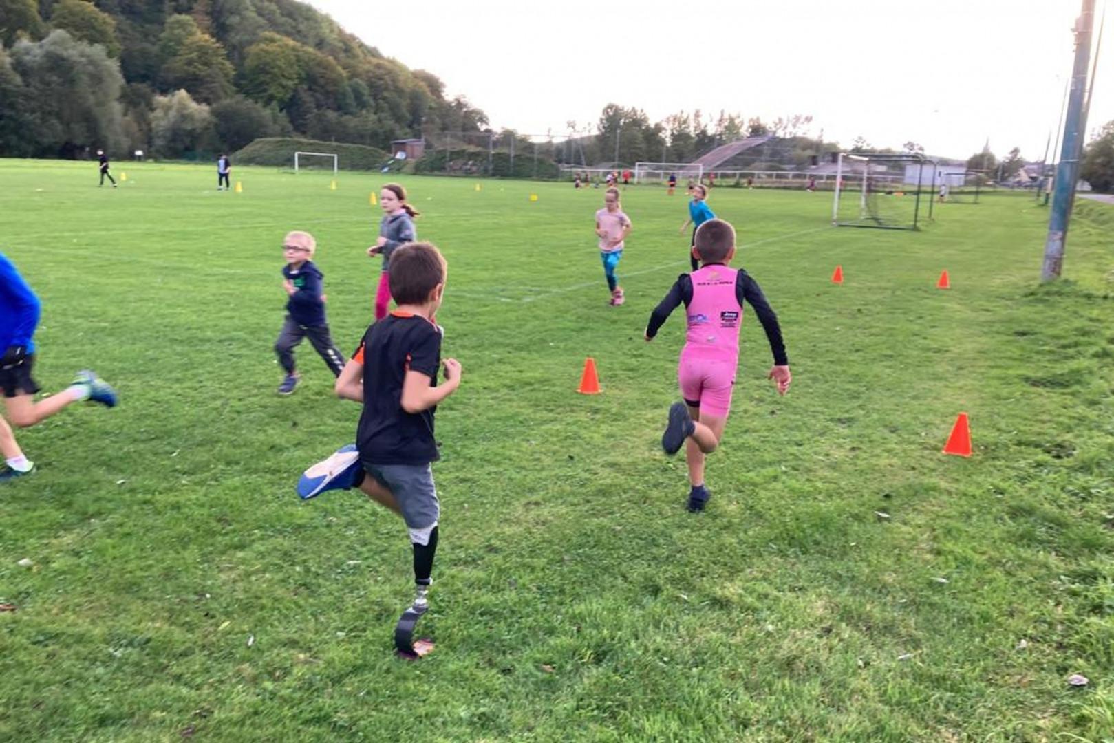 L'association Lames de joie permet aux enfants amputés de retrouver les joies du sport.
