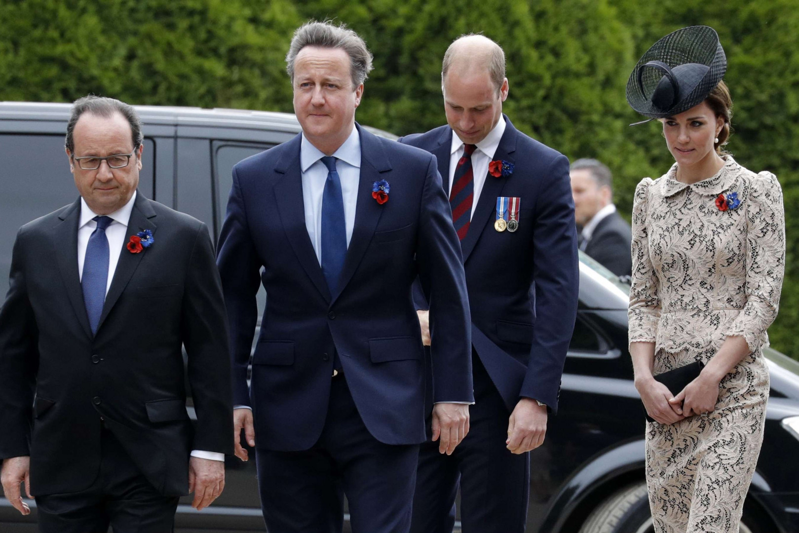 Kate Middleton était vêtue de manière très élégante pour le centenaire de la bataille de la Somme vendredi 1er juillet 2016.
