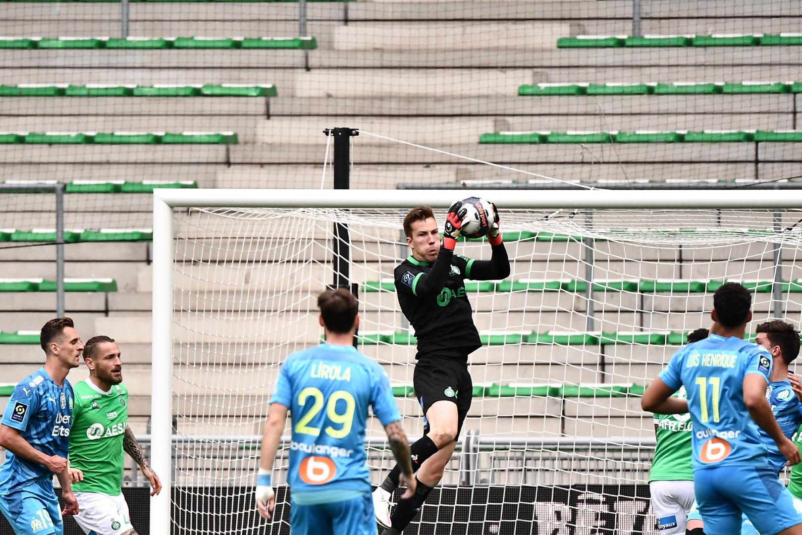 Etienne Green s'impose dans les airs avec Saint-Etienne contre Marseille le 9 mai 2021 à Geoffroy Guichard.