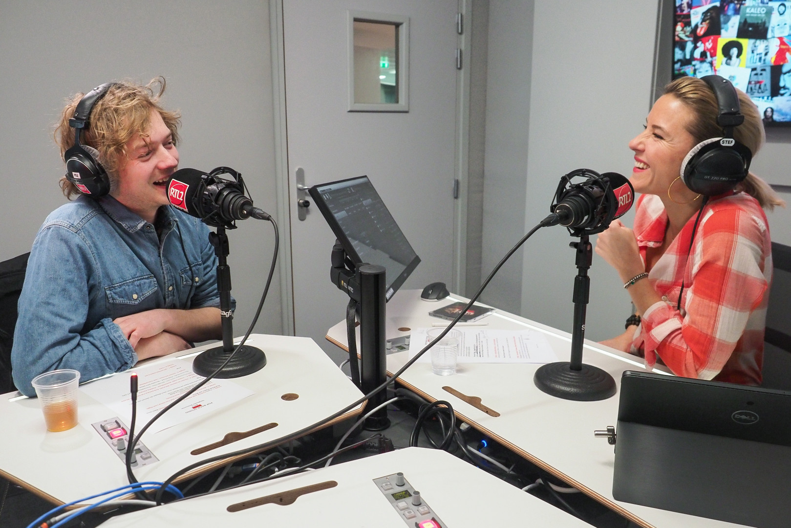 Malo' en compagnie de Stéphanie Renouvin dans les studios de RTL2