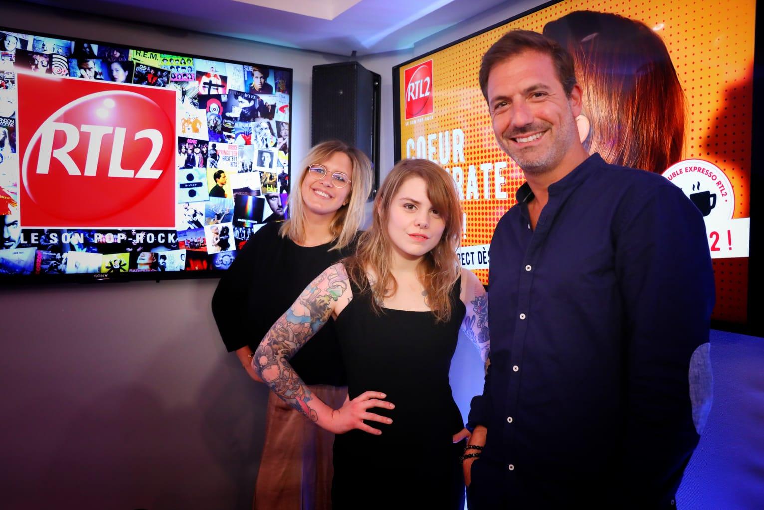 Cœur de Pirate en compagnie de Justine Salmon et Grégory Ascher du Double Expresso RTL2