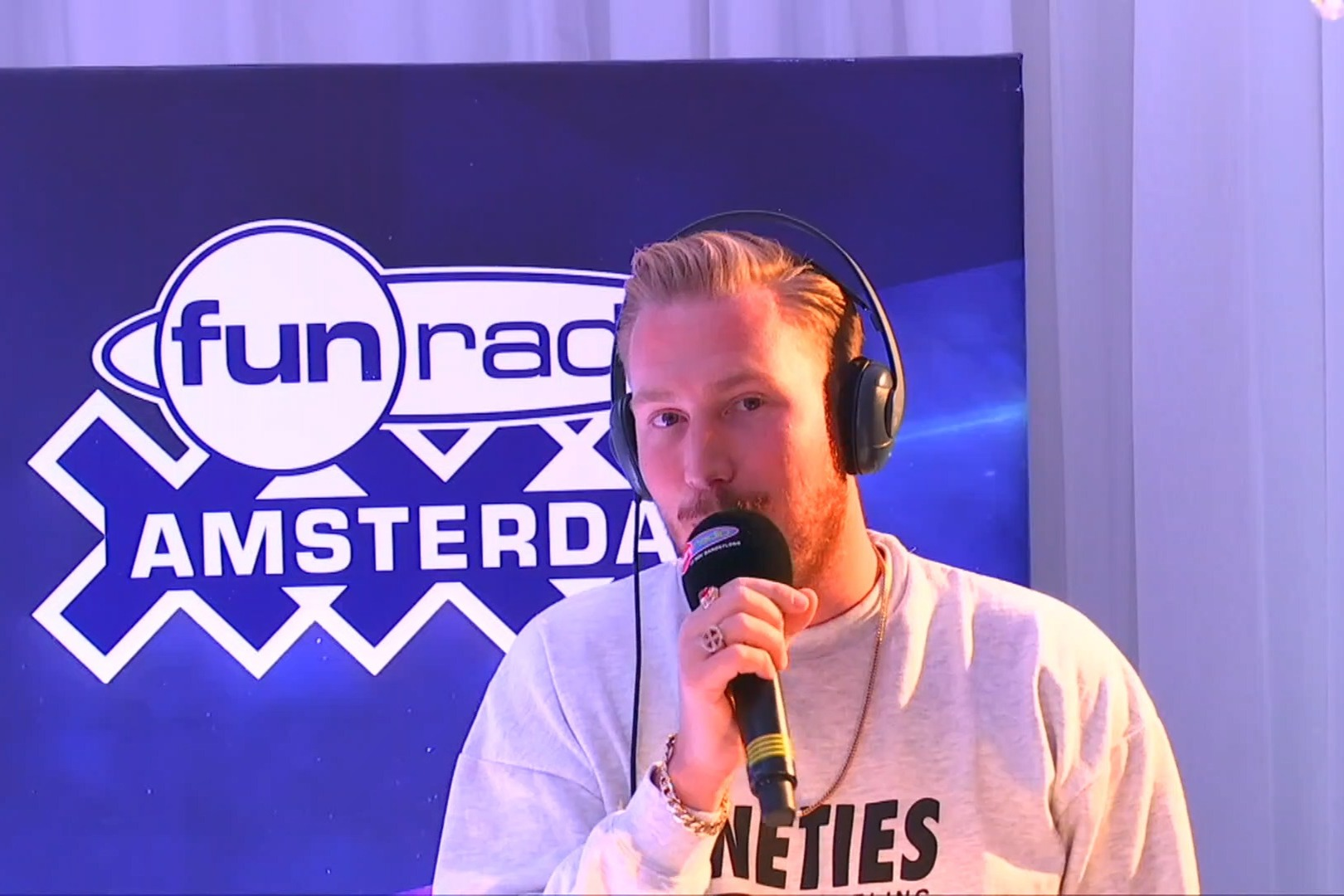 Hugel en interview et en mix dans Fun Radio Amsterdam