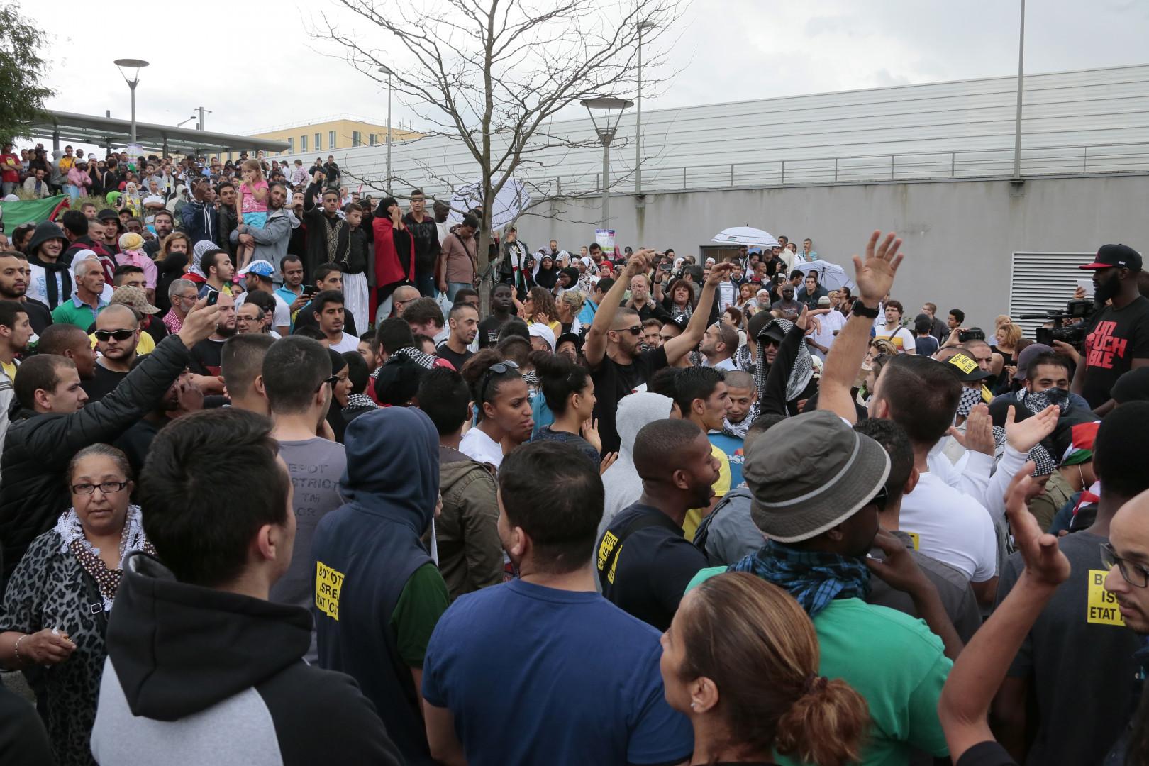 La mairie avait décidé d'interdire le défilé pro-palestinien car un rassemblement pro-israélien avait été prévu au même endroit