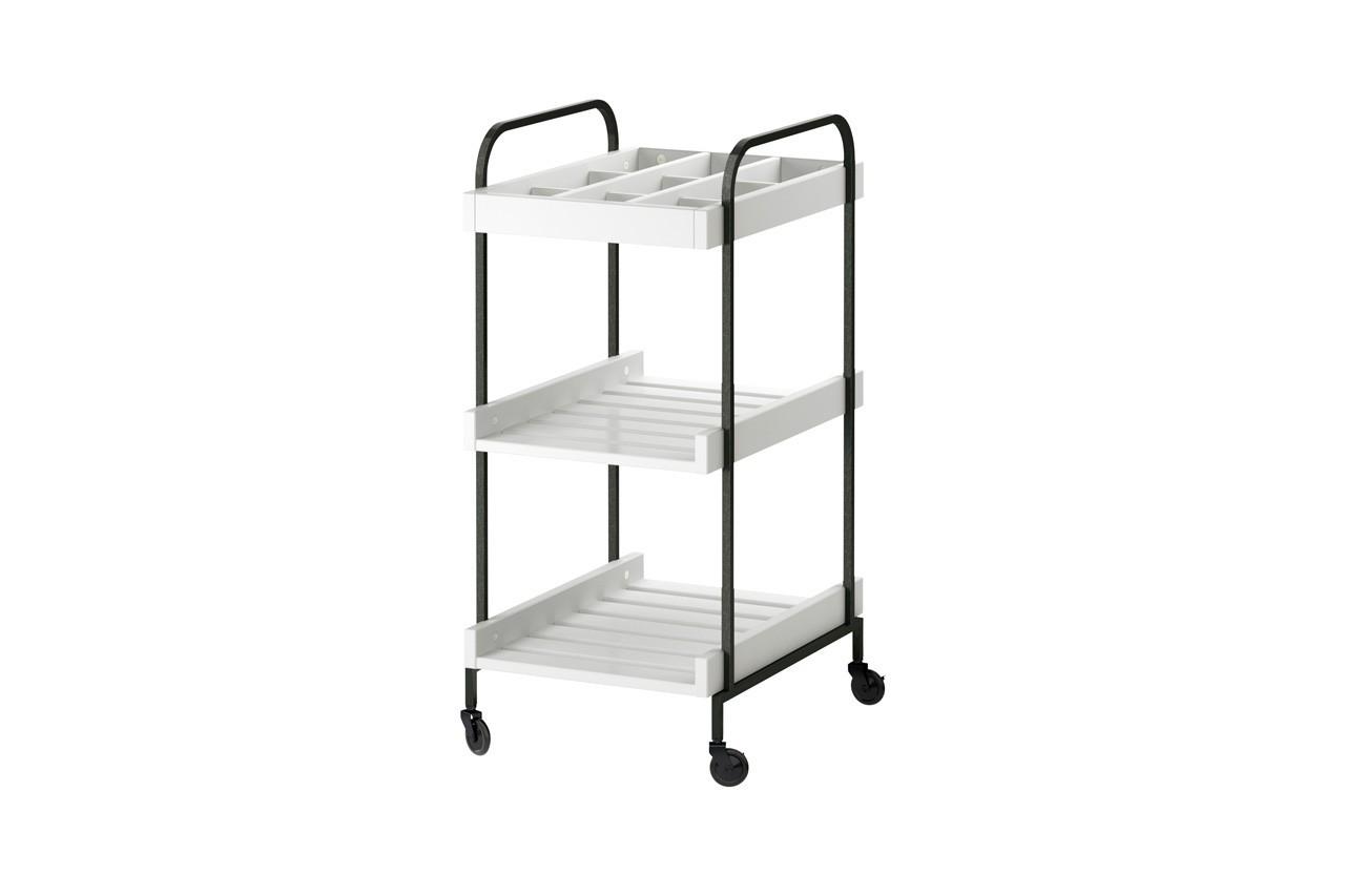 Ce chariot permet, par exemple, de ranger serviette et produits d'entretien. Chariot Hjälmaren, Ikea, 55 €