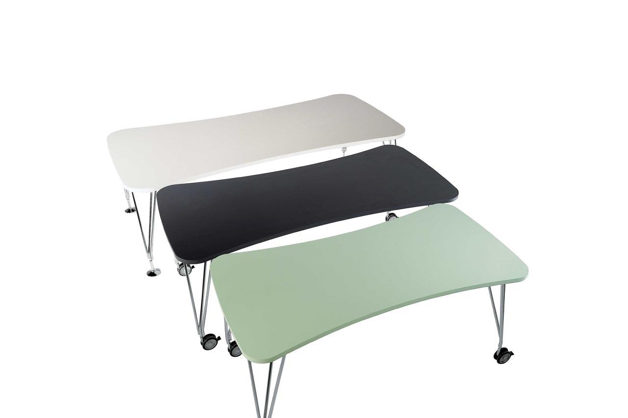 Mention spéciale pour ces tables aussi belles que pratiques.Table Max, Kartell, Made in Design, 715 €
