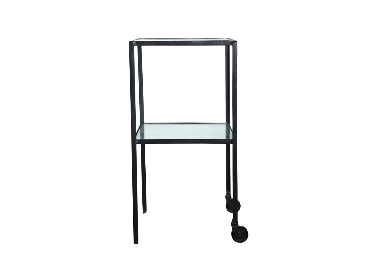 Pratique, cette desserte design se font dans le décor.Trolley w. glass shelves, House Doctor, 364,51 €