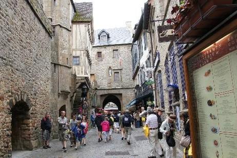 Dans les rues du Mont Saint-Michel