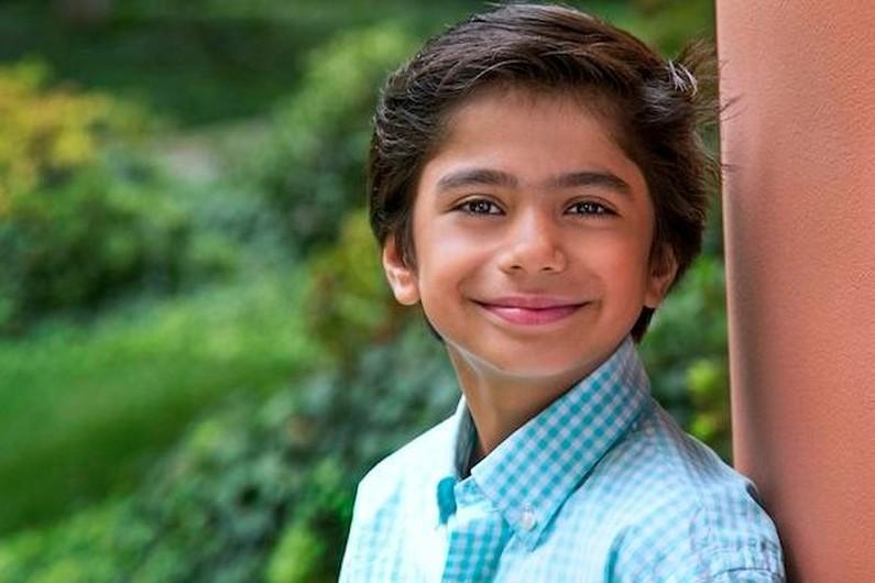 Neel Sethi, jeune garçon New-Yorkais âgé de 10 ans. Il sera le seul acteur à l'écran pour le film de Jon Favreau
