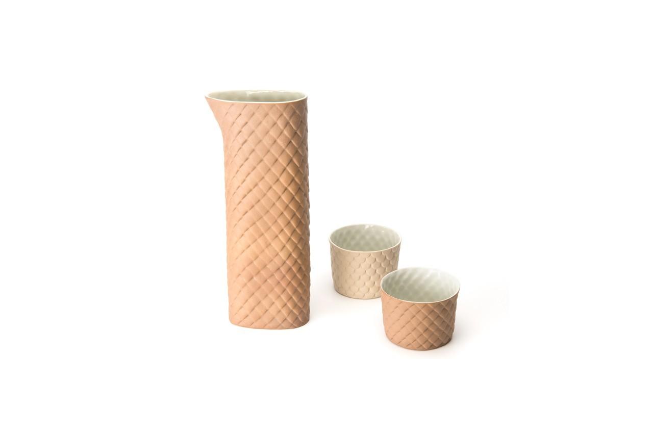 Tasse et  mug « Dragon », pichet « Dragon »,Celine Cavallin, disponible chez Talents Opéra