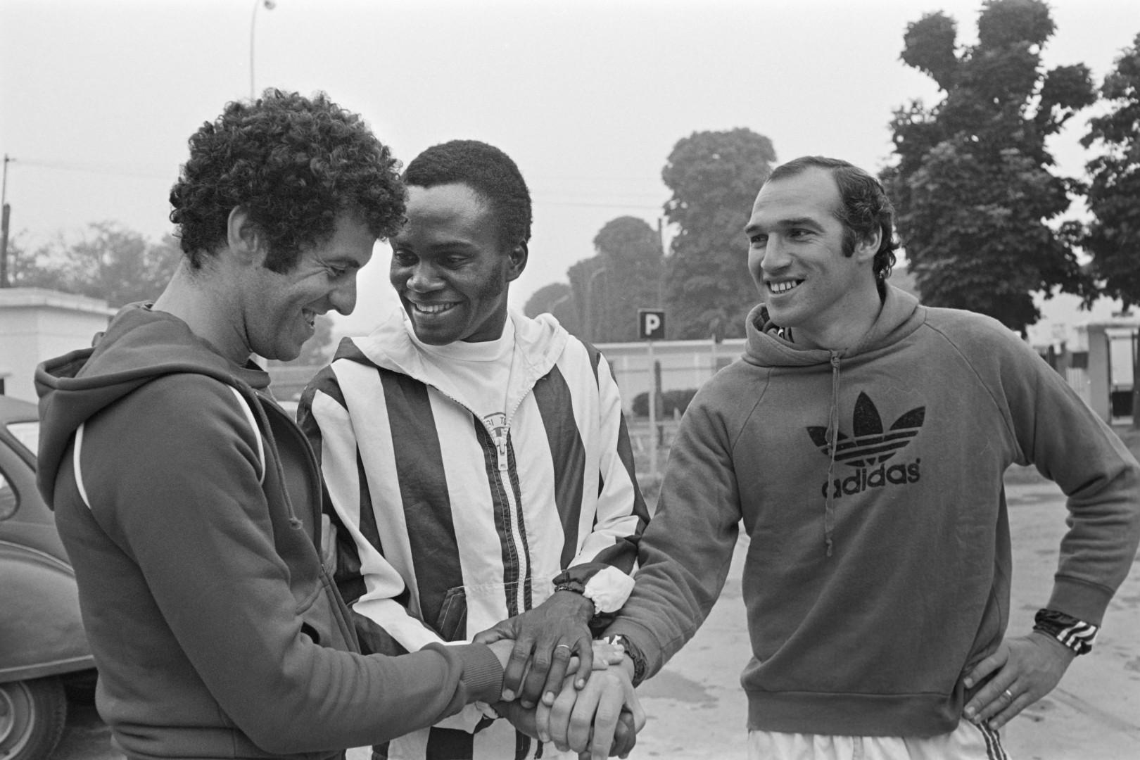 4) François M Pelé, entre Mustapha Dahleb et Carlos Bianchi, a inscrit 95 buts pour le PSG