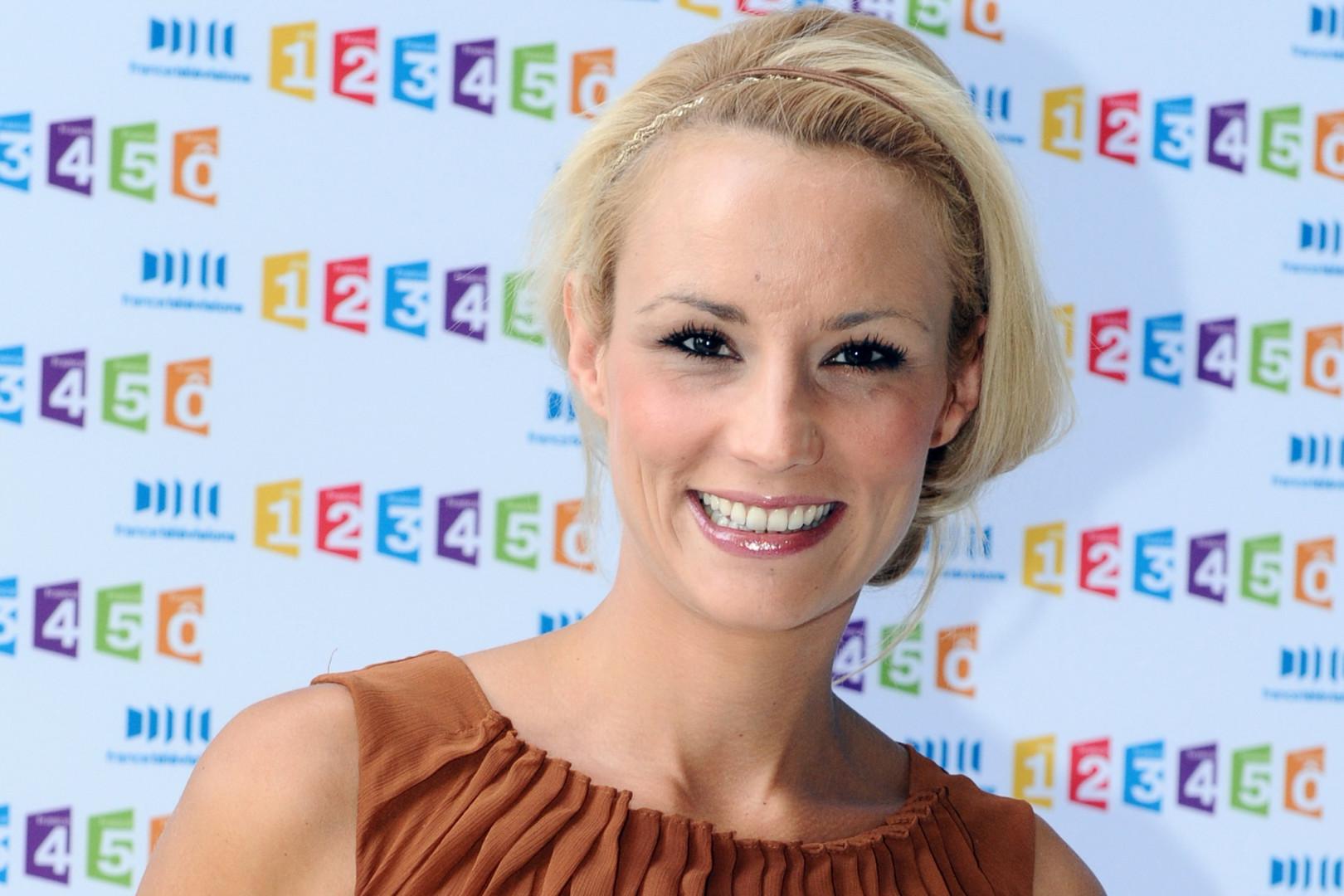 L'année suivante sera celle d'Élodie Gossuin qui devient Miss France à 20 ans. Cette femme d'origine Picarde sera ensuite élue conseillère régionale de Picardie en 2004.