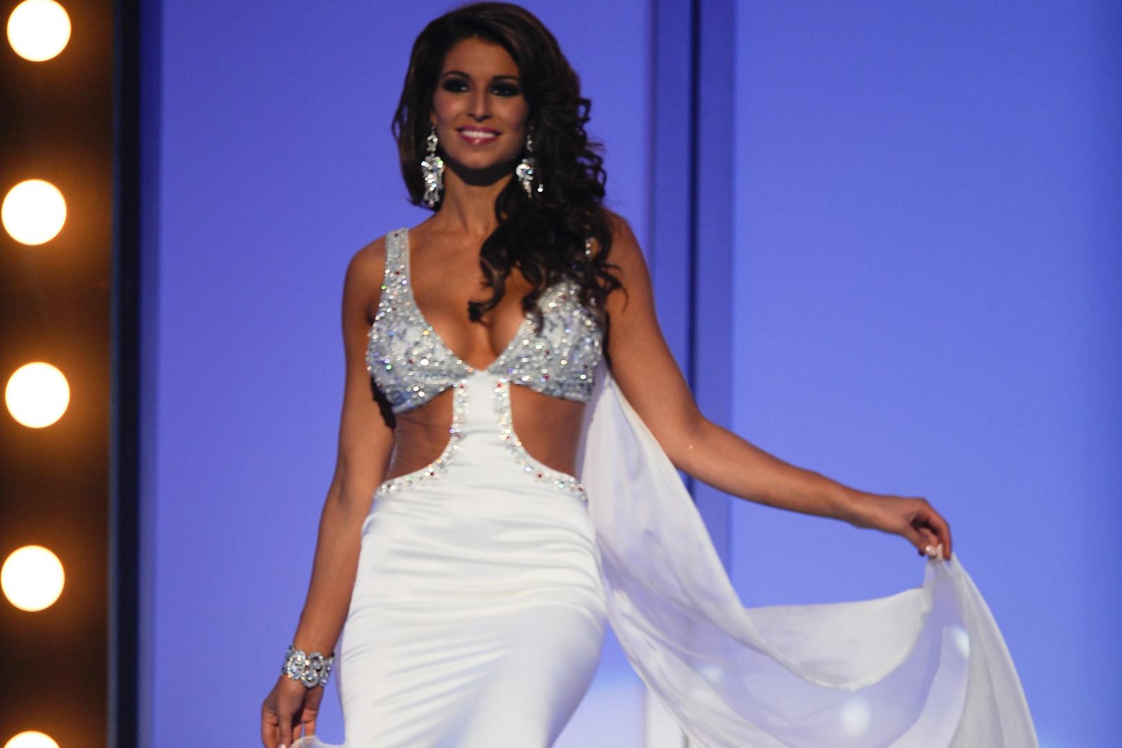 Laury Thilleman est devenue Miss France en 2011. Depuis, elle est journaliste de sport.