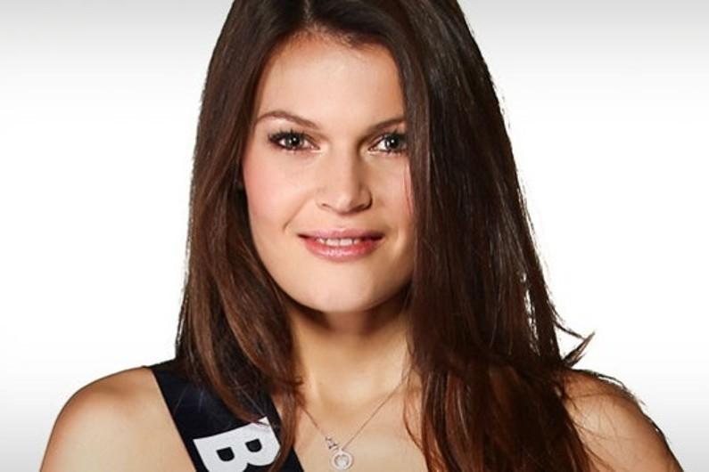 Janyce Guillot, Miss Bourgogne 2014, participe à Miss France 2015