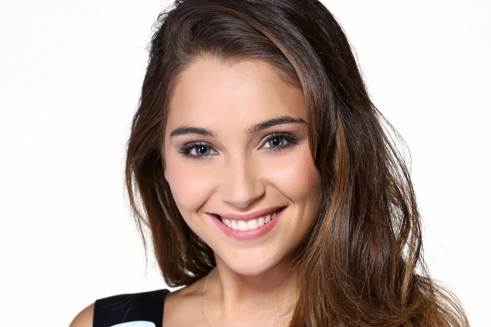 Miss France 2015 : Charlotte Pirroni représente la Côte d'Azur