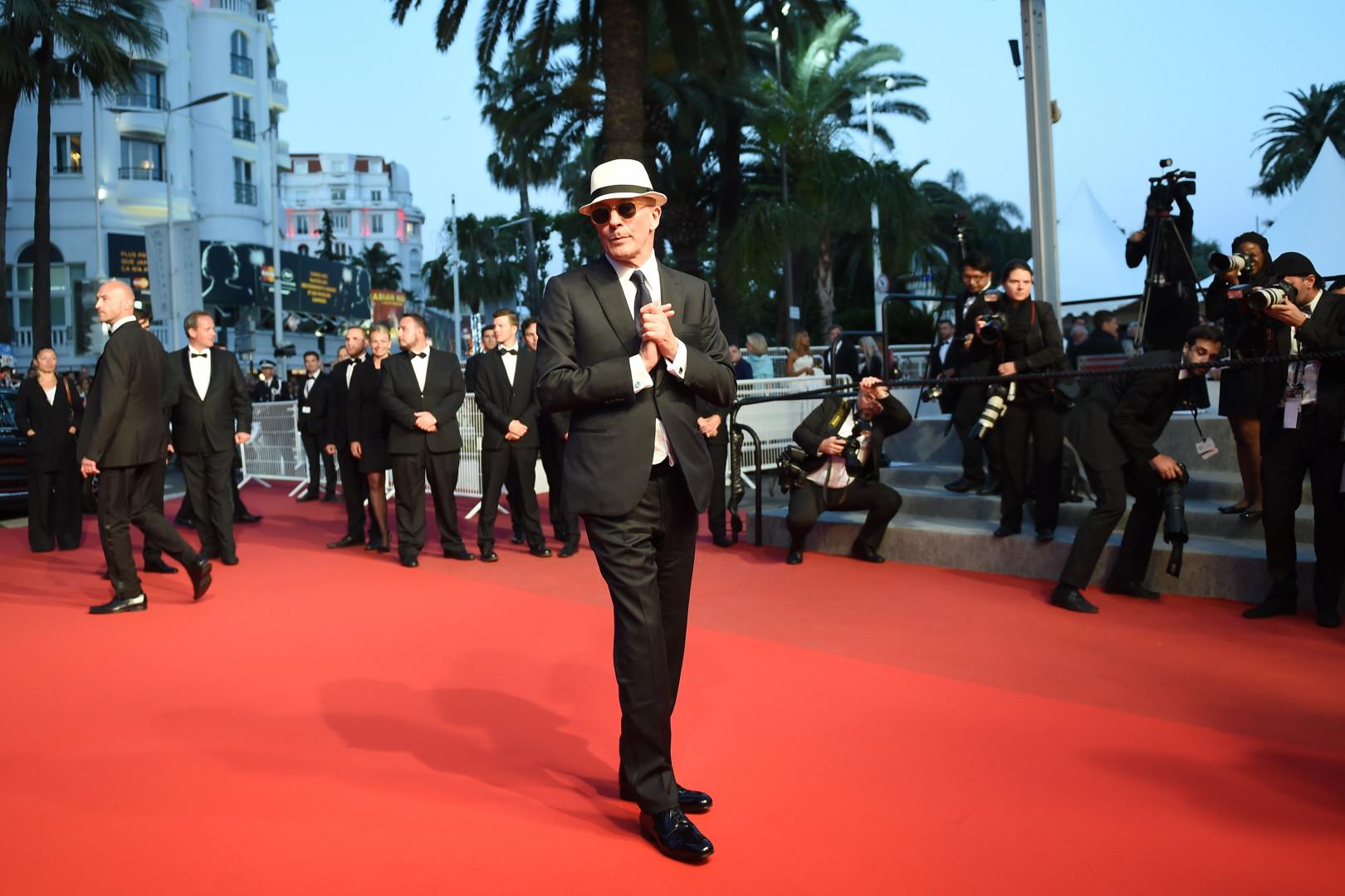 Un film réalisé par Jacques Audiard, qui a fait sensation avec son chapeau blanc et ses lunettes noires