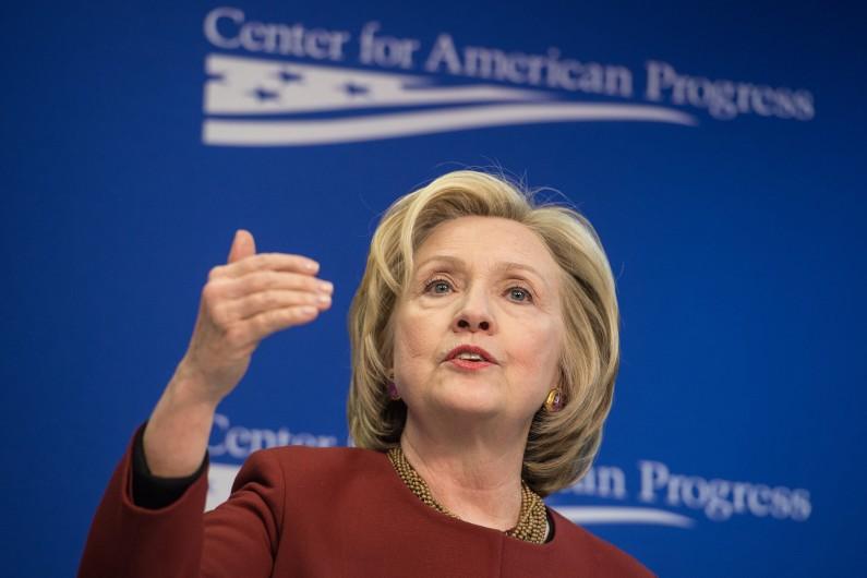 Hillary Clinton, l'ex-première dame doit se méfier de son concurrent Bernie Sanders