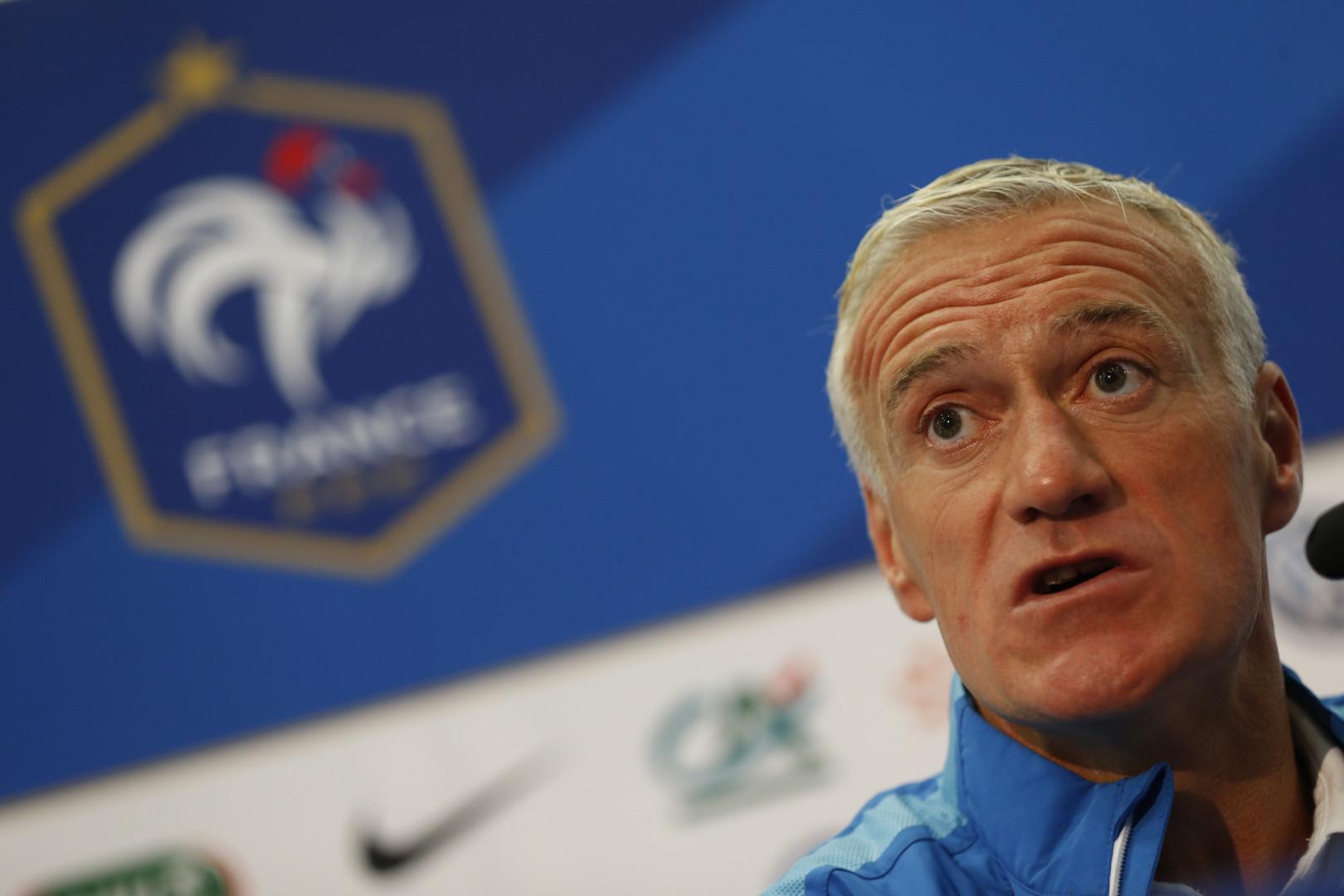 L'ancien capitaine Didier Deschamps est le sélectionneur de l'équipe de France après avoir entraîné Monaco, la Juventus et l'OM