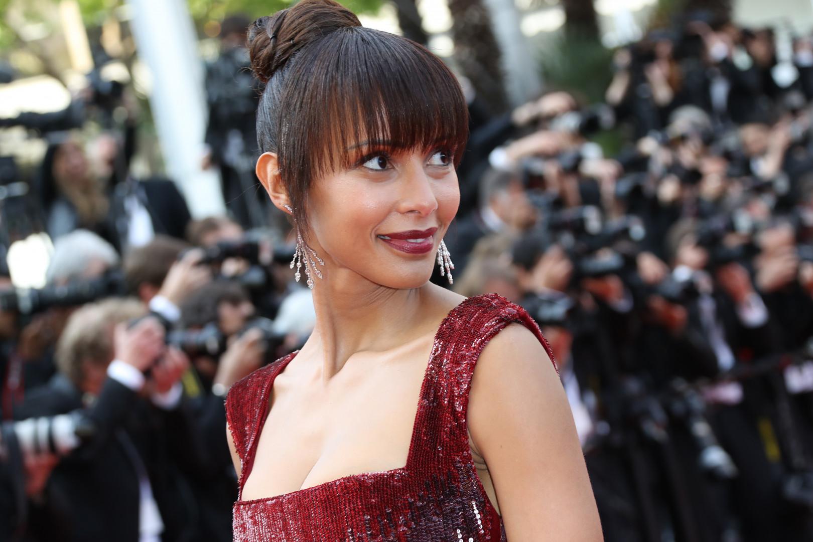Sonia Rolland, Miss France 2002, a monté les marches à Cannes le 16 mai 2016.